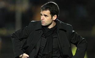 L'entraîneur niçois Didier Ollé-Nicolle lors d'un match face à Lorient, le 20 février 2010