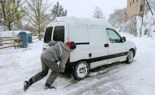 Quinze départements du Sud-Est de la France étaient encore placés jeudi matin en vigilance orange en raison de risques de neige et de verglas, a indiqué Météo-France, qui a, en revanche, levé la vigilance sur dix autres départements.