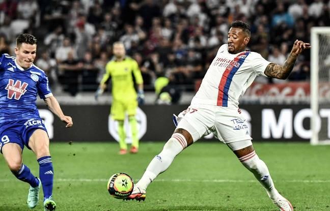 Jérôme Boateng a disputé ses premières minutes sous le maillot lyonnais dimanche dernier, contre le RC Strasbourg de Kevin Gameiro. JEFF PACHOUD