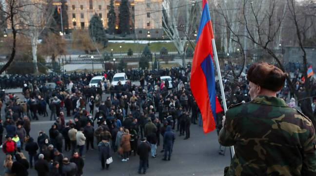Arménie : Jean-Yves Le Drian appelle au « dialogue » pour préserver la « démocratie » - 20 Minutes
