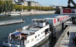 Franprix approvisionne 80 de ses 350 magasins parisiens par voie fluviale depuis fin août, une première dans la distribution alimentaire en Europe qui pourrait être étendue à d'autres enseignes du groupe Casino et à d'autres villes, ont indiqué lundi les responsables de l'opération.
