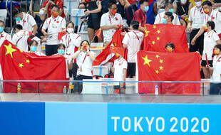 La délégation chinoise sait se transformer en kop bruyant à la natation.