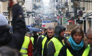 La manifestation des « gilets jaunes » a attiré au moins 4.500 personnes à Bordeaux pour l'acte 5.