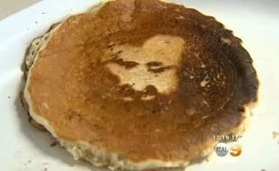 Le visage de Jesus apparaît dans un pancake
