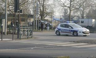 Une voiture de police dans le quartier de la Grande Borne à Grigny (Essonne). (Illustration)