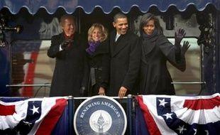 Barack Obama est arrivé samedi soir à la gare de Washington, au terme d'un voyage triomphal en train entre Philadelphie (est) et la capitale, où il sera investi mardi 44e président des Etats-Unis.