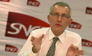 Guillaume Pépy, Président de la SNCF, donne une conférence de presse dans les locaux de la direction régionale àLille, le 9 novembre 2010.