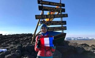 Vanessa Morales, une infirmière de la région toulousaine, a battu le record de vitesse d'ascension du Kilimandjaro, sans qu'il soit homologué.