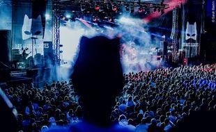 Au festival des Nuits Secrètes, à Aulnoye-Aymeries, de nombreux spectateurs arrivent masqués