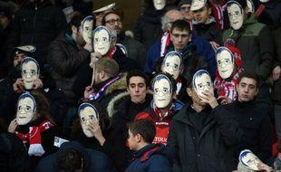 Les supporters lillois ont porté des masques à l'effigie de Michel Seydoux