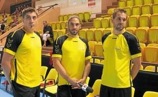 Benjamin Gille et ses deux frères aînés Bertrand et Guillaume, à Monaco.
