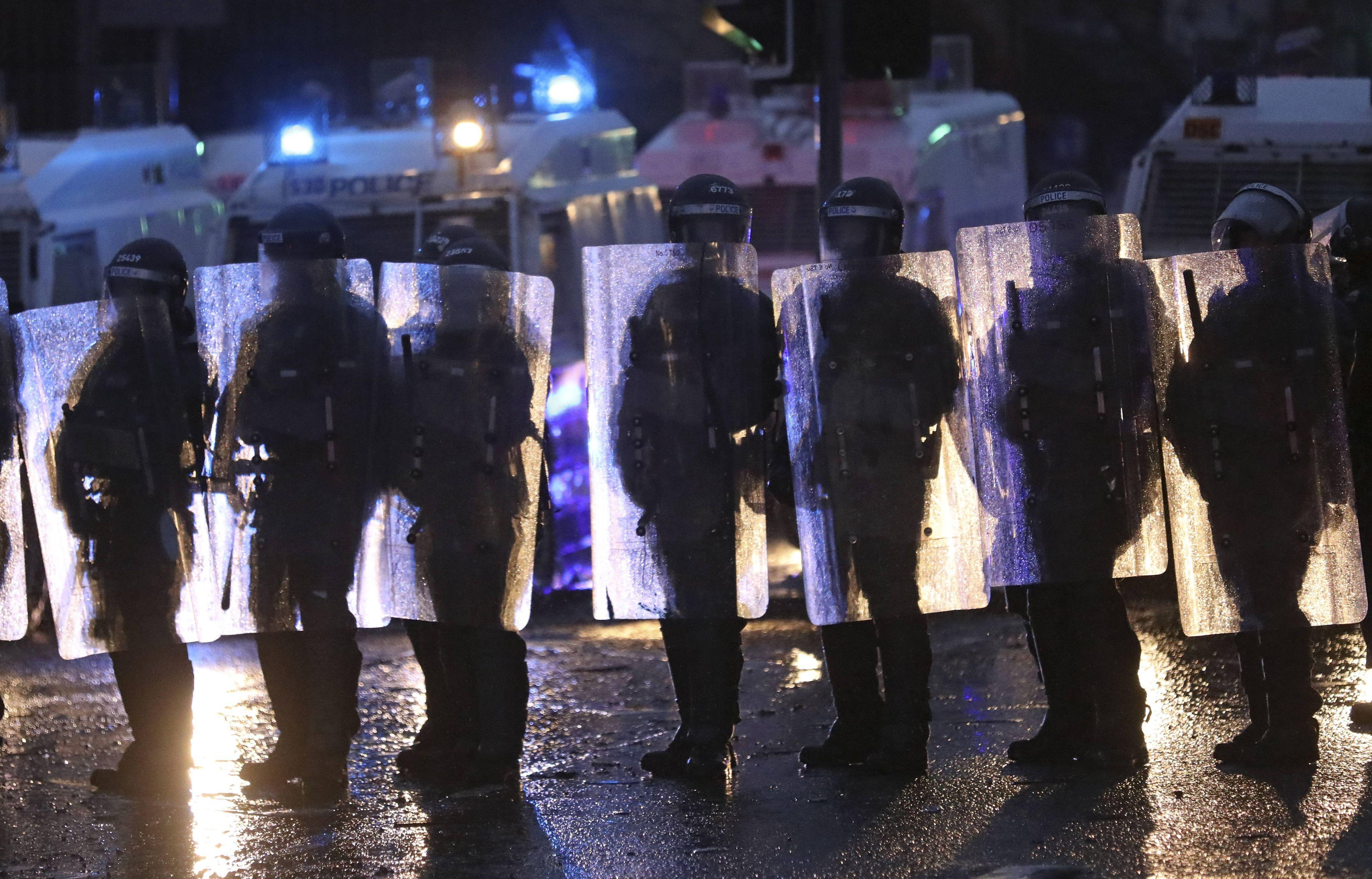 C'est l'heure du BIM : Belfast sous les cocktails Molotov, George Floyd sans oxygène et calamité agricole dégelée