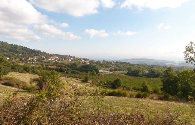 Roisey, village de la Loire le moins pollué de France, est situé dans le massif du Pilat et surplombe la vallée du Rhône.