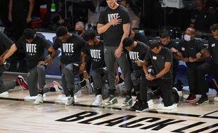 Meyers Leonard avait refusé de s'agenouiller pour l'hymne américain lors du retour de la NBA l'été dernier.