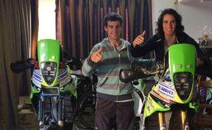 Edinson Cavani pose avec son ami motard German Fernandez.