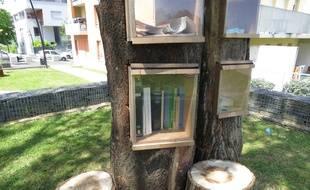 L'arbre à livres, aux Dervallières
