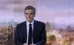 François Fillon, candidat LR à la Présidentielle,  s'exprime sur le plateau du journal de France 2, le 5 mars 2017.