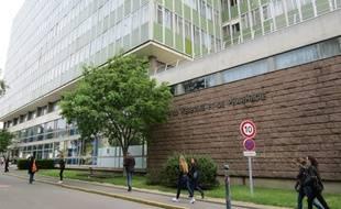 L'actuelle faculté de médecine est collée au site hospitalier Hôtel-Dieu.