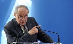 """L'ancien Premier ministre socialiste français Michel Rocard, en visite pour quelques jours à Téhéran, """"n'est porteur d'aucun message ni investi d'aucune mission"""" par le président élu socialiste français François Hollande, a indiqué samedi à l'AFP son entourage chargé de diplomatie."""
