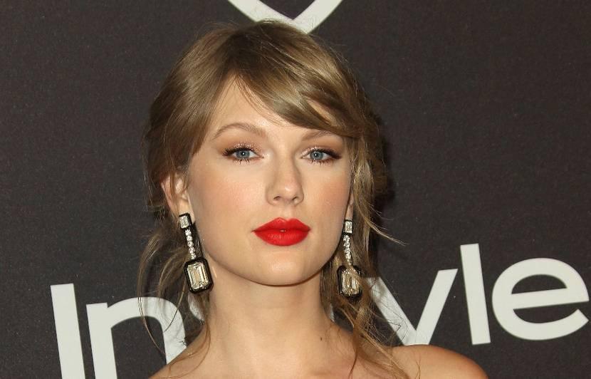 VIDEO. Taylor Swift est écœurée d'avoir été liée à l'alt-right… Brad Pitt raconte son altercation avec Harvey Weinstein…