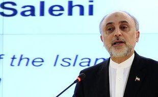 L'Iran a cessé ses exportations de pétrole vers l'Allemagne et sanctionné 100 entreprises de l'Union européenne, en réponse à ses sanctions pétrolières et bancaires, ont rapporté mercredi les médias iraniens, à trois jours de la reprise des négociations nucléaires
