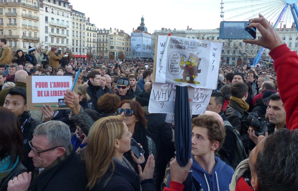 Marche républicaine à Lyon le 11 janvier 2015 pour rendre hommage aux 17 personnes tuées par 3 djihadistes – Nicolas Vaux-Montagny