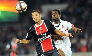 L'attaquant parisien Nenê lors du match aller contre l'OGCNice, le 21 septembre 2011, au Parc des Princes.