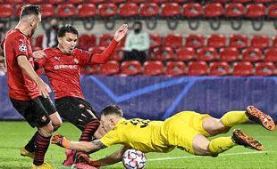 Adrien Hunou butte sur le gardien russe de Krasnodar lors du match nul concédé par le Stade Rennais pour son entrée en Ligue des champions.