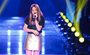 Carla Lazzari, lors des demi-finales de The Voice Kids 2018