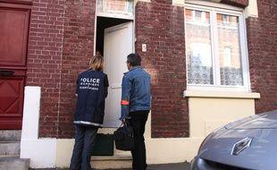 Des policiers de la brigade technique et scientifique à Lille. (Archives)