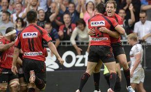 Les joueurs d'Oyonnax, lors de leur victoire contre Toulon en Top14, le 28 septembre 2013 à Oyonnax.