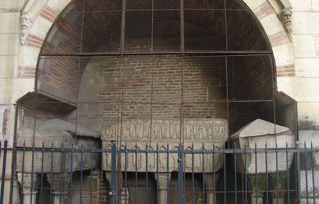 Toulouse: Les sarcophages de la basilique Saint-Sernin vont-ils livrer leurs secrets ?