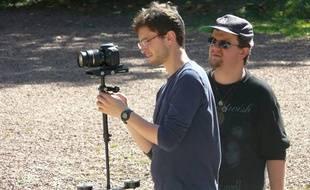 Guillaume Bouiges (à droite) et son directeur de la photographie, Marc Durand (à gauche) ont écrit la web-série ensembl.