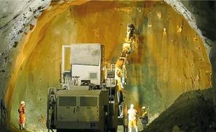 Entamé il y a un an, le creusement du deuxième tunnel doit se terminer le 15 septembre.