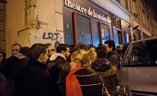 La file d'attente devant le théâtre de la Main d'or, à Paris, où Dieudonné jouait son spectacle «Asu Zoa», le 13 janvier 2014