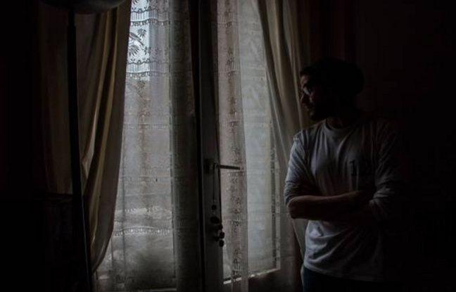 Montrouge (Hauts-de-Seine), le 2 février 2016. Ahmed, assigné à résidence depuis le 19 novembre.