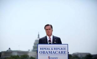Le candidat républicain à la Maison Blanche, Mitt Romney, a répété jeudi qu'il abolirait la réforme de la santé de Barack Obama dès son premier jour à la tête des Etats-Unis s'il bat en novembre le président sortant.