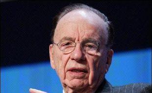 Le conseil d'administration du groupe Dow Jones a voté mardi soir en faveur d'une vente au magnat Rupert Murdoch, qui doit encore recevoir l'accord de la famille Bancroft