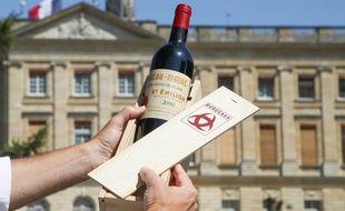 Une bouteille de vin de Bordeaux va être offerte à Trump lors de sa venue au G7 de Biarritz.