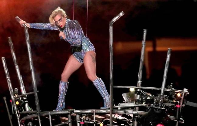Lady Gaga au 51e Super Bowl a «voulu les prendre comme ils le font au Texas».