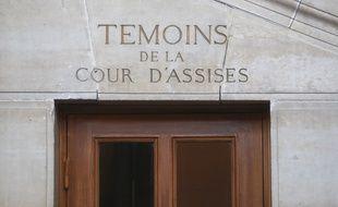 Illustration de la cour d'assises spéciale de Paris au palais de justice.