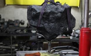 Le fragment de météorite pèse près de 200 kg.