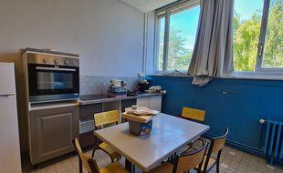 Un étage de l'école St-Exupéry, à Lille, a été transformé en logements.