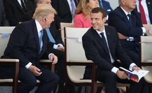 Donald Trump et Emmanuel Macron lors de la parade militaire sur les Champs-Elysées, le 14 juillet 2017.