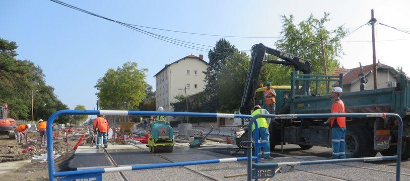 La future ligne de tramway T6 de Lyon pourrait être prolongée jusqu'au campus de la Doua.