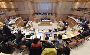 Les élus de la région Languedoc-Roussillon- Midi-Pyrénées réunis en commission permanente dans l'hémicycle à Montpellier
