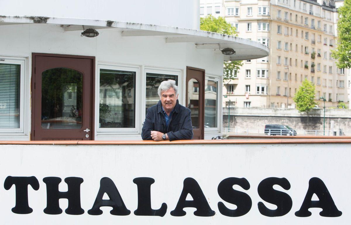 Georges Pernoud sur la péniche «Thalassa». – Delphine Ghosarossian