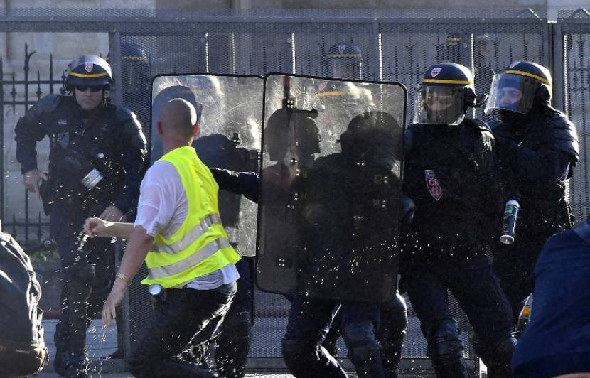 «Gilets jaunes» à Bordeaux: Quelques heurts en fin de cortège