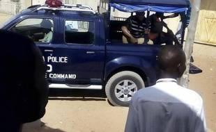 Des policiers patrouillent dans les rue de Gombe au Nigeria, le 15 février 2015
