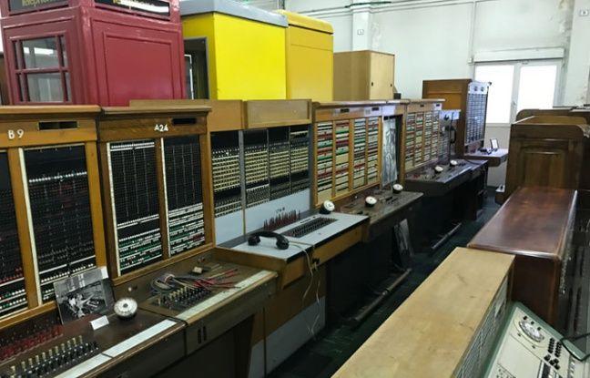 Cabines téléphoniques, standards... des trésors dorment dans les stocks de la Collection historique Orange.